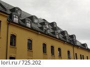 Купить «Крыши и окна», фото № 725202, снято 3 августа 2008 г. (c) Харитонова Ольга / Фотобанк Лори