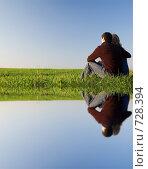 Купить «Парень обнимает девушку в поле возле воды», фото № 728394, снято 12 апреля 2008 г. (c) Арестов Андрей Павлович / Фотобанк Лори