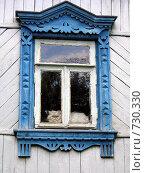Окно старого деревенского дома и персидский кот. Стоковое фото, фотограф Наталья Ничепорук / Фотобанк Лори