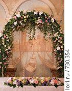 Купить «Свадебное оформление ресторана», фото № 730354, снято 3 августа 2007 г. (c) Ольга Харламова / Фотобанк Лори