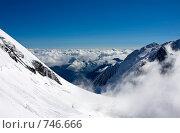 Купить «Над облаками. Вид со склона горы Белуха, Алтай, Россия», фото № 746666, снято 26 июля 2008 г. (c) Max Toporsky / Фотобанк Лори