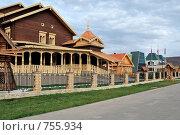 Деревянные дома, Национальная деревня, г. Оренбург (2008 год). Редакционное фото, фотограф Кузькин Владимир / Фотобанк Лори