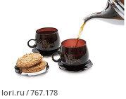 Купить «Две чашки с чаем, печенье и чайник. Изолировано от фона.», фото № 767178, снято 8 февраля 2009 г. (c) Vitas / Фотобанк Лори