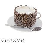 Купить «Оригинально декорированная чашка с горячим капучино. Изолировано от фона», фото № 767194, снято 2 января 2009 г. (c) Vitas / Фотобанк Лори