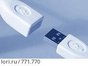 Купить «Штекер и разъем USB (тонирование голубым)», фото № 771770, снято 23 августа 2019 г. (c) Самохвалов Артем / Фотобанк Лори