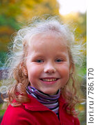 Купить «Маленькая девочка в осеннем парке», фото № 786170, снято 29 сентября 2008 г. (c) Юрий Брыкайло / Фотобанк Лори