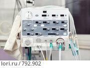 Аппарат для искусственной  вентиляции легких новорожденных. Стоковое фото, фотограф Raev Denis / Фотобанк Лори