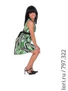 Купить «Красивая девушка в зеленом платье стоит в профиль», фото № 797322, снято 7 августа 2007 г. (c) Vdovina Elena / Фотобанк Лори