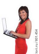 Купить «Девушка в красном с ноутбуком», фото № 801454, снято 7 июня 2007 г. (c) Харитонова Ольга / Фотобанк Лори