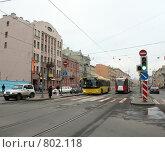 Купить «Выделенная полоса для общественного транспорта на Лиговском проспекте», фото № 802118, снято 11 апреля 2009 г. (c) Корчагина Полина / Фотобанк Лори