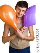 Купить «Радостный мужчина с воздушными шариками», фото № 843334, снято 14 марта 2009 г. (c) Виктория Кириллова / Фотобанк Лори