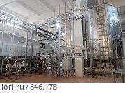 Купить «Технологический комплекс на молочном комбинате», фото № 846178, снято 6 ноября 2008 г. (c) Максим Иванов / Фотобанк Лори