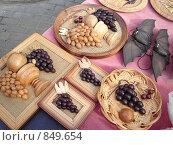 Купить «Сувениры», фото № 849654, снято 14 апреля 2009 г. (c) Наталья Лабуз / Фотобанк Лори