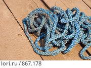 Купить «Веревка на деревянном полу», фото № 867178, снято 26 апреля 2009 г. (c) Андрей Ганночка / Фотобанк Лори