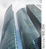 Купить «Небоскрёбы в центре Москва-Сити», фото № 900354, снято 27 июля 2008 г. (c) Сергей Плахотин / Фотобанк Лори