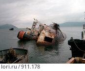 Затопленный корабль. Стоковое фото, фотограф Нуйкин Всеволод / Фотобанк Лори