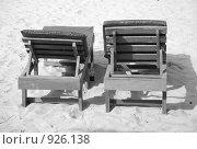 Лежаки на пляже. Стоковое фото, фотограф Ксения Шаханова / Фотобанк Лори