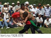 Купить «Борьба курэш, праздник сабантуй», фото № 928078, снято 6 июня 2009 г. (c) Талдыкин Юрий / Фотобанк Лори