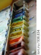 Старая акварель, резкость на желтую краску. Стоковое фото, фотограф Николайчук Антон / Фотобанк Лори