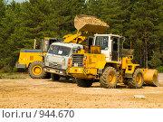 Купить «Строительство автомобильного моста через Оку возле города Мурома», фото № 944670, снято 11 июня 2009 г. (c) Олег Тыщенко / Фотобанк Лори