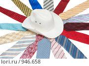 Купить «Мужские галстуки и шляпы», фото № 946658, снято 24 июня 2009 г. (c) Руслан Кудрин / Фотобанк Лори