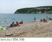 Купить «Пляж на побережье Черного моря», эксклюзивное фото № 956106, снято 21 сентября 2019 г. (c) Самохвалов Артем / Фотобанк Лори