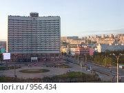 Купить «Мурманск. Полночь полярного дня», фото № 956434, снято 30 июня 2009 г. (c) Вячеслав Беляев / Фотобанк Лори