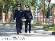 Купить «Инспекторы  ДПС», фото № 957066, снято 3 июля 2009 г. (c) Николай Гернет / Фотобанк Лори