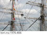 Купить «Мачты парусного судна», эксклюзивное фото № 970406, снято 9 июля 2009 г. (c) Александр Алексеев / Фотобанк Лори