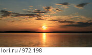 Купить «Закат на Селигере», фото № 972198, снято 9 июня 2007 г. (c) Дмитрий Алимпиев / Фотобанк Лори