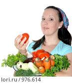 Купить «Девушка с овощами», фото № 976614, снято 14 июля 2009 г. (c) Оксана Белая / Фотобанк Лори