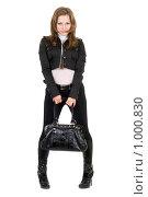 Купить «Девушка с сумкой», фото № 1000830, снято 20 октября 2008 г. (c) Сергей Сухоруков / Фотобанк Лори