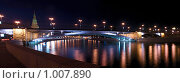 Ночная панорама набережной Москвы с видом на Кремль (2009 год). Стоковое фото, фотограф Тагильцева Наталия / Фотобанк Лори