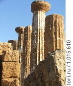 Купить «Фрагменты античного храма, Сицилия», фото № 1015610, снято 31 декабря 2006 г. (c) Chumakov Nina / Фотобанк Лори