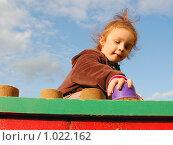 Купить «Девочка и песочные куличики», фото № 1022162, снято 7 августа 2009 г. (c) Никонор Дифотин / Фотобанк Лори
