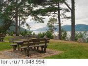 Купить «Место для отдыха с видом на фьорд», фото № 1048994, снято 12 августа 2008 г. (c) Роман Мухин / Фотобанк Лори