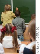 Купить «На уроке математики», фото № 1049166, снято 20 августа 2009 г. (c) Оксана Гильман / Фотобанк Лори