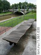 Купить «Городской пейзаж. Скамейка (г. Турку. Финляндия)», фото № 1061030, снято 2 августа 2009 г. (c) Александр Секретарев / Фотобанк Лори