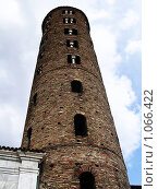 Старинная Башня в Милане (2004 год). Стоковое фото, фотограф Евгений Гурьев / Фотобанк Лори