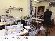 Купить «Швейное предприятие «Бест»,Балашиха», эксклюзивное фото № 1066510, снято 13 августа 2009 г. (c) Дмитрий Неумоин / Фотобанк Лори