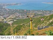 Купить «Горный пейзаж с канатной дорогой и видом моря», фото № 1068802, снято 9 августа 2009 г. (c) Игорь Архипов / Фотобанк Лори
