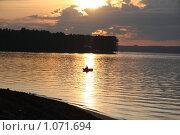 Рыбалка на вечерней зорьке. Клязьминское водохранилище. Стоковое фото, фотограф Елена Колтыгина / Фотобанк Лори