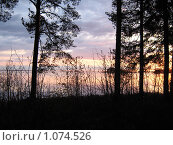Встречаем рассвет на берегу озера. Стоковое фото, фотограф Юрий Пелевин / Фотобанк Лори