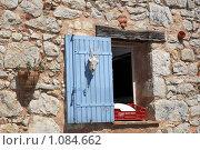 Купить «Горная деревня Гурдон. Окно», фото № 1084662, снято 8 июля 2009 г. (c) Татьяна Лата / Фотобанк Лори