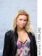 Купить «Девушка в кожаной куртке», фото № 1094242, снято 11 сентября 2009 г. (c) Egorius / Фотобанк Лори