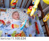 Младенец в кроватке (2009 год). Редакционное фото, фотограф Михаил Сметанин / Фотобанк Лори