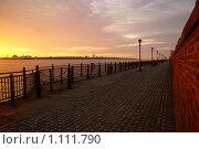 Купить «Вечерняя набережная в Ливерпуле», фото № 1111790, снято 12 сентября 2009 г. (c) Юлия Бобровских / Фотобанк Лори