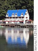 Купить «Озеро Рица в Абхазии», фото № 1121674, снято 28 августа 2009 г. (c) Владимир Сергеев / Фотобанк Лори