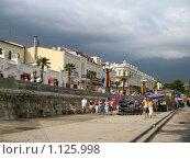 Набережная Ялты (2007 год). Редакционное фото, фотограф Аркадий Хоменко / Фотобанк Лори
