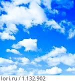 Купить «Облака в голубом небе», фото № 1132902, снято 26 сентября 2009 г. (c) Бабенко Денис Юрьевич / Фотобанк Лори